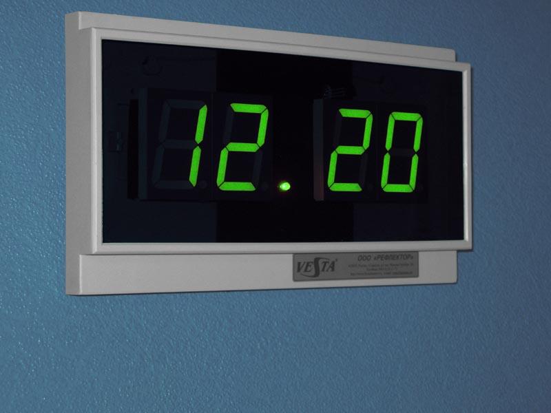 Электроника 7-06М - часы